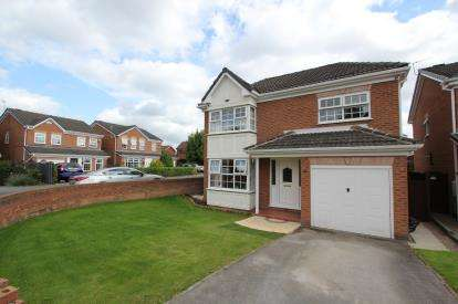 4 Bedrooms Detached House for sale in Holden Clough Drive, Ashton-Under-Lyne, Greater Manchester