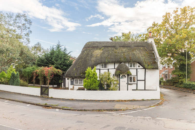 3 Bedrooms Cottage House for sale in Ringwood, Hampshire