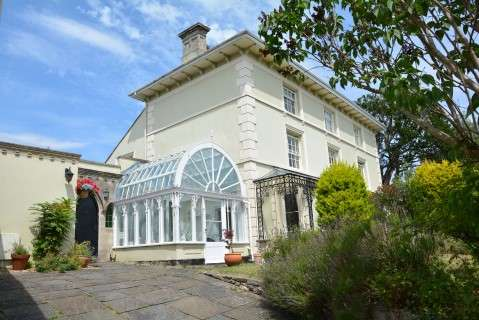 3 Bedrooms Property for sale in Church Road, Worle, Weston-Super-Mare