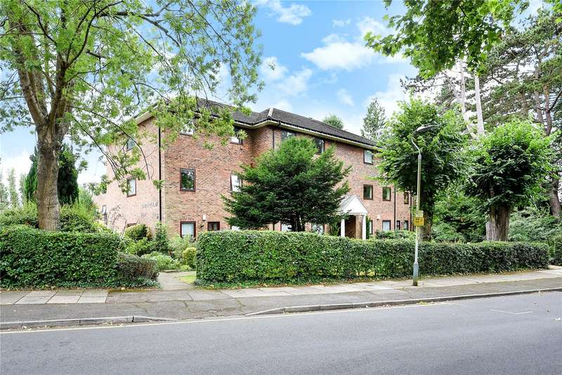1 Bedroom Apartment Flat for sale in Sentis Court, 8 Carew Road, Northwood, Middlesex, HA6