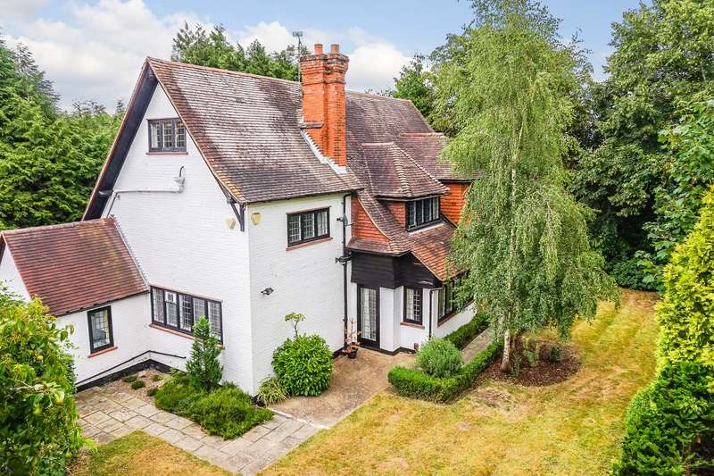 6 Bedrooms Detached House for sale in Hook Heath