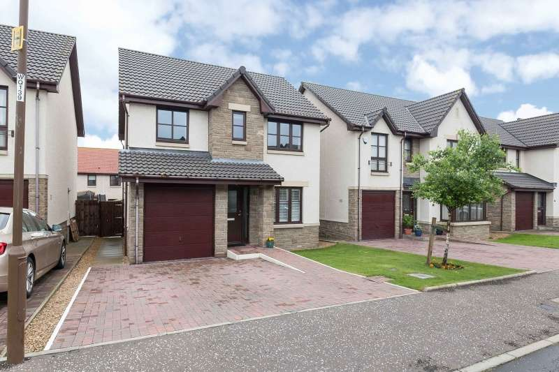 4 Bedrooms Detached House for sale in Gavins Lee, Tranent, East Lothian, EH33 2AP