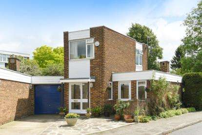 3 Bedrooms Link Detached House for sale in Ashdown Close, Beckenham