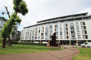 1 Bedroom Flat for sale in Indiana Building, Deals Gateway, London