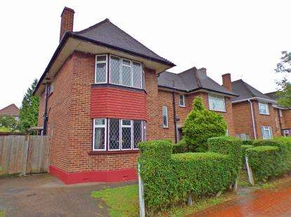 3 Bedrooms Semi Detached House for sale in Maryatt Avenue, Harrow, Middlesex