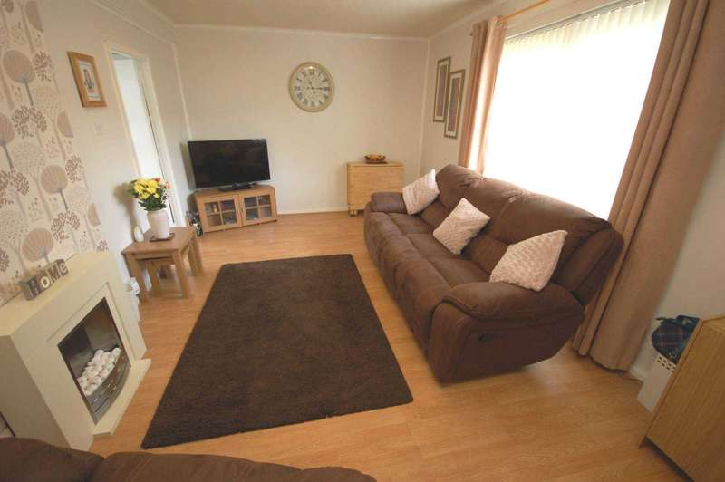 3 Bedrooms Terraced House for sale in Northlodge Road, Renfrew,Renfrewshire, PA4 9AS