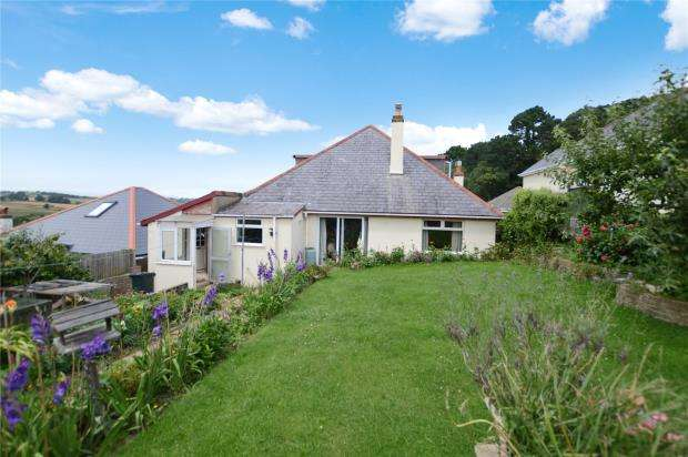 4 Bedrooms Detached Bungalow for sale in Lyndhurst Avenue, Kingskerswell, Newton Abbot, Devon