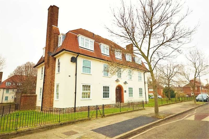 2 Bedrooms Flat for sale in Prince Henry Road, London, SE7