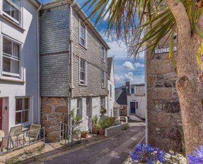 1 Bedroom Flat for sale in Victoria Place, St. Ives, Cornwall