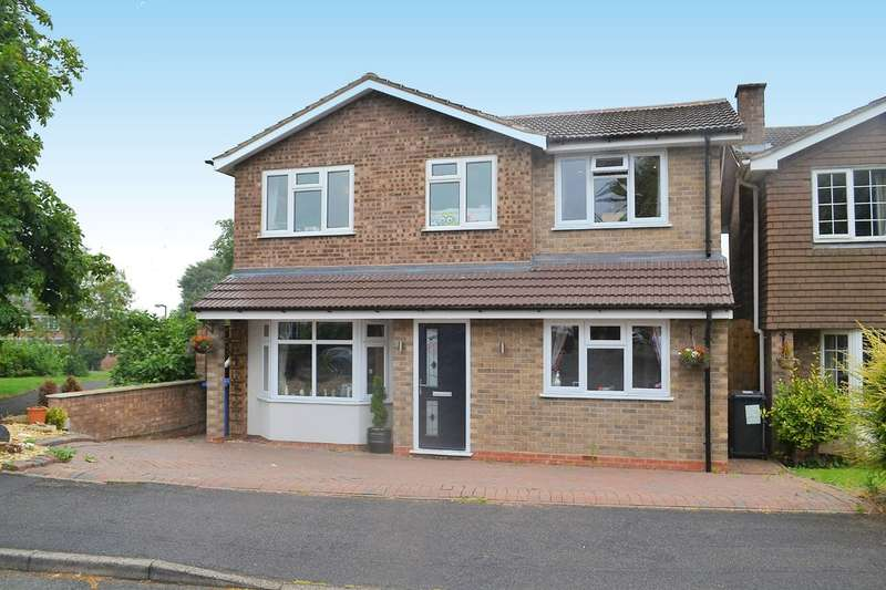 6 Bedrooms Detached House for sale in Yew Tree Avenue, Lichfield