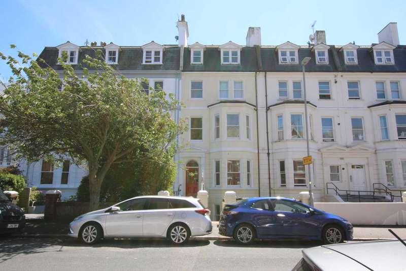 2 Bedrooms Flat for sale in Jevington Gardens, Eastbourne, BN21 4HN