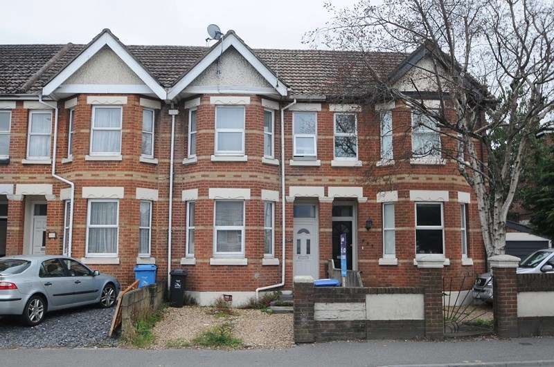 3 Bedrooms Terraced House for sale in Ashley Road, Parkstone, Poole
