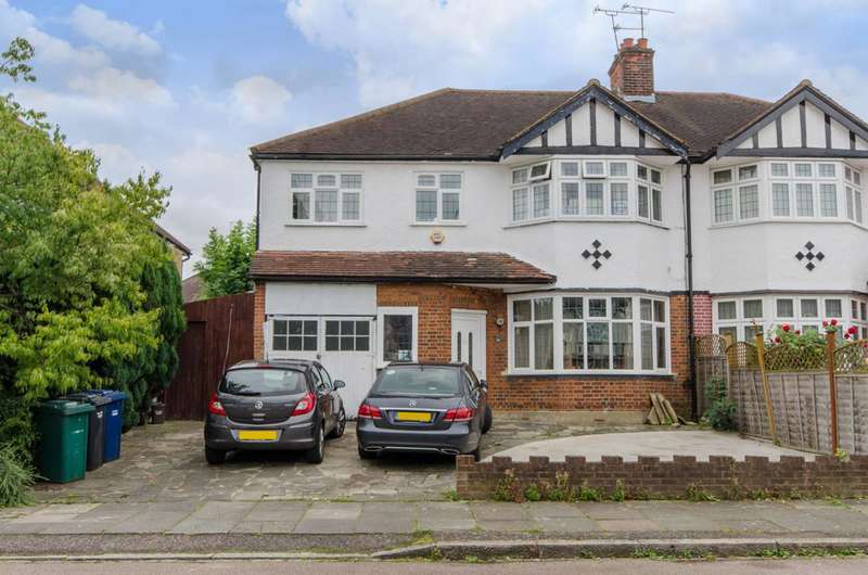 5 Bedrooms Semi Detached House for sale in The Fairway, High Barnet, EN5