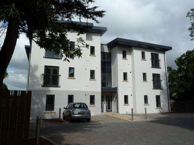 2 Bedrooms Flat for sale in St Marychurch Road, Torquay, Devon