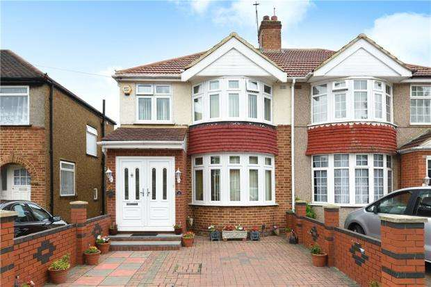 3 Bedrooms Semi Detached House for sale in Stormount Drive, Hayes