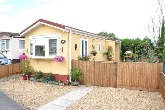 2 Bedrooms Property for sale in Meadow Park, Sherfield-On-Loddon, Hook