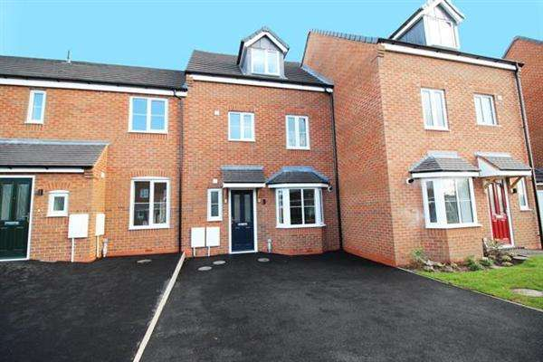 4 Bedrooms Terraced House for sale in Spring Lane, Walsall