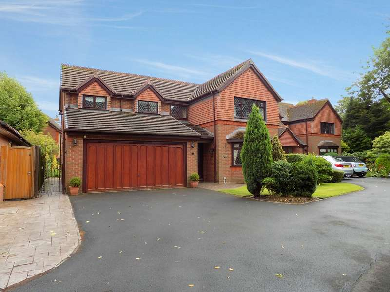 4 Bedrooms Detached House for sale in Mitton Close, Culcheth, Warrington, WA3