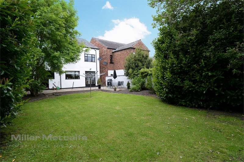 4 Bedrooms Detached House for sale in Mill Lane, Westhoughton, Bolton, BL5