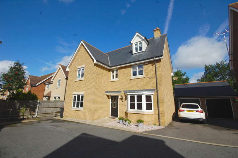 5 Bedrooms Detached House for sale in Belgrave Place, Old Springfield, Chelmsford, CM2