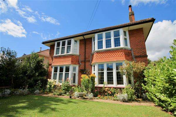 5 Bedrooms Detached House for sale in Stokewood Road, Bournemouth