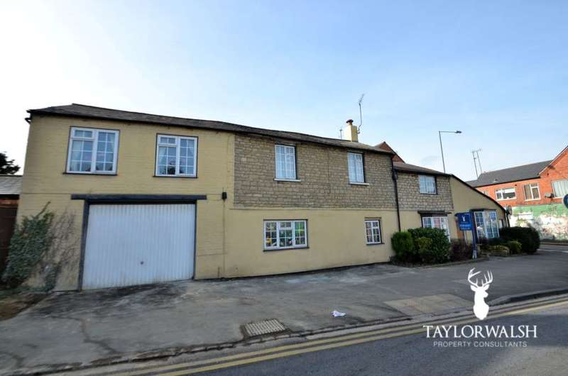 6 Bedrooms Semi Detached House for sale in London Road, Stony Stratford