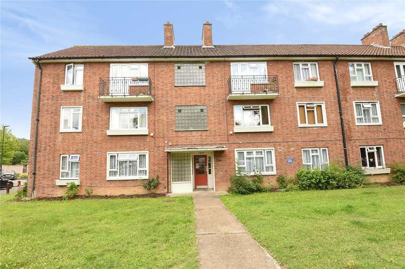 2 Bedrooms Apartment Flat for sale in Antoneys Close, Pinner, Middlesex, HA5