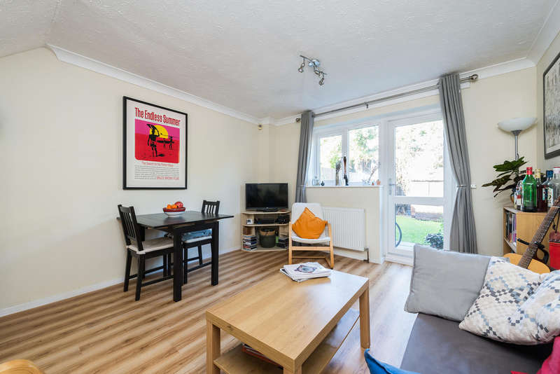 2 Bedrooms Terraced House for sale in Cumberland Place, Hither Green / Catford, SE6