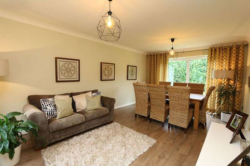 4 Bedrooms Detached House for sale in Brindle Road, Brindle Road, Lancashire