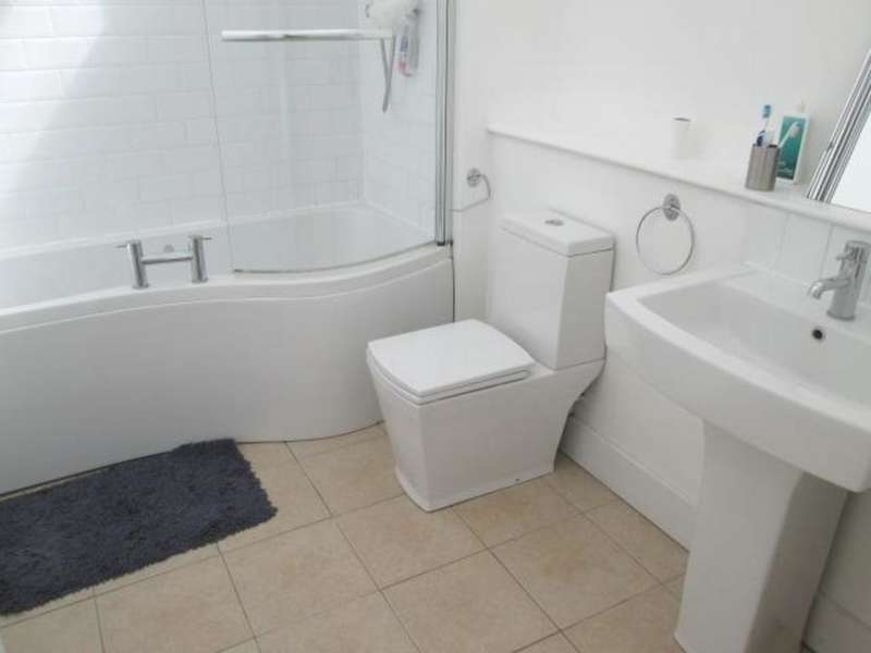 2 Bedrooms House for sale in Chartwell Close, Peterborough
