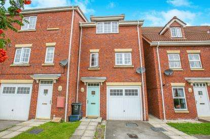 3 Bedrooms End Of Terrace House for sale in The Haven, Selby