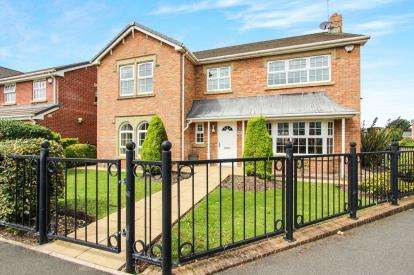 4 Bedrooms Detached House for sale in Victory Boulevard, Lytham St. Annes, Lancashire, FY8