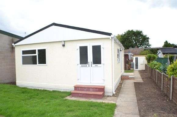 1 Bedroom Property for sale in Meadow Mobile Home Park, Sherfield-On-Loddon, Hook