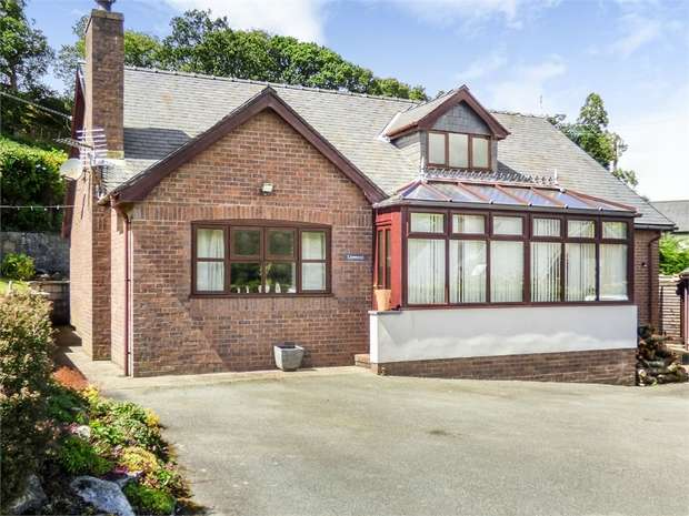 4 Bedrooms Detached House for sale in Llewenni, Llangernyw, Abergele, Conwy