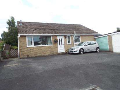 3 Bedrooms Bungalow for sale in Borrowdale Close, Burnley, Lancashire, BB10