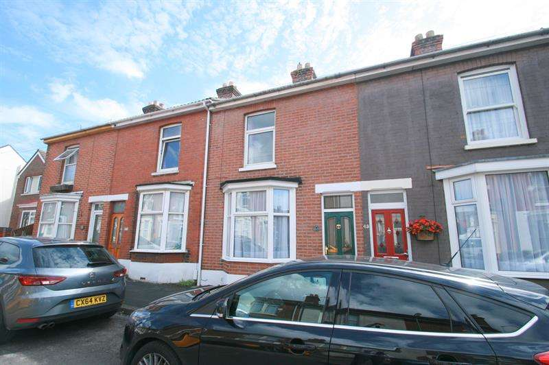 3 Bedrooms Terraced House for sale in Western Road, Havant