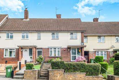 3 Bedrooms Terraced House for sale in Warners End Road, Hemel Hempstead, Hertfordshire, .
