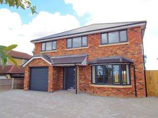 5 Bedrooms Detached House for sale in Archers Court Road, Whitfield., Dover, Kent