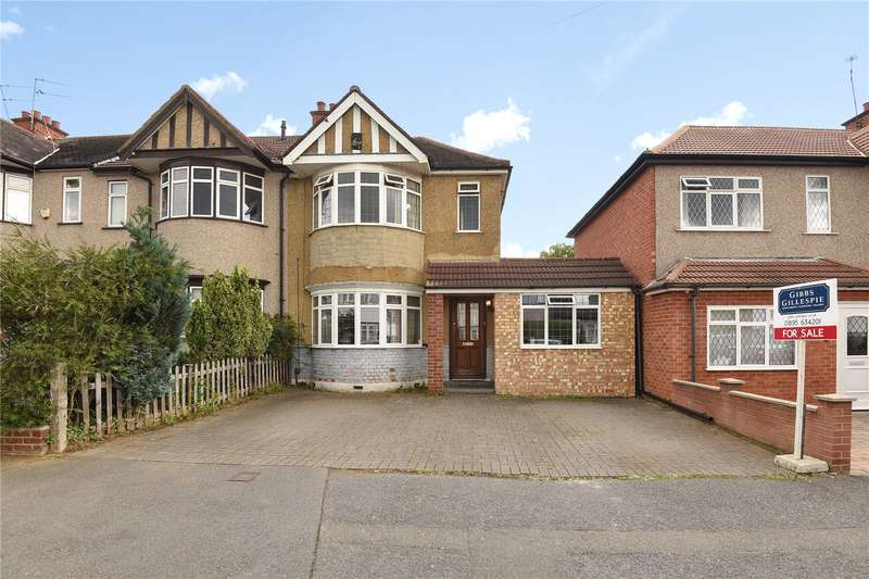 3 Bedrooms End Of Terrace House for sale in Beverley Road, Ruislip, Middlesex, HA4