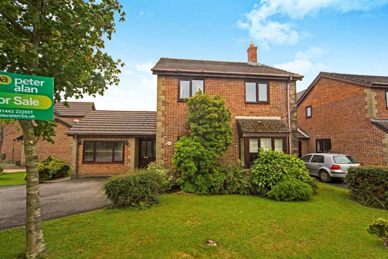 4 Bedrooms Detached House for sale in Manor Chase, Beddau, Pontypridd