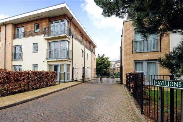 2 Bedrooms Apartment Flat for sale in Pavilions, Windsor, Berkshire