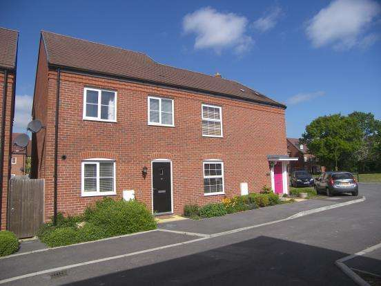 3 Bedrooms Semi Detached House for sale in Hambrook, Chichester, West Sussex