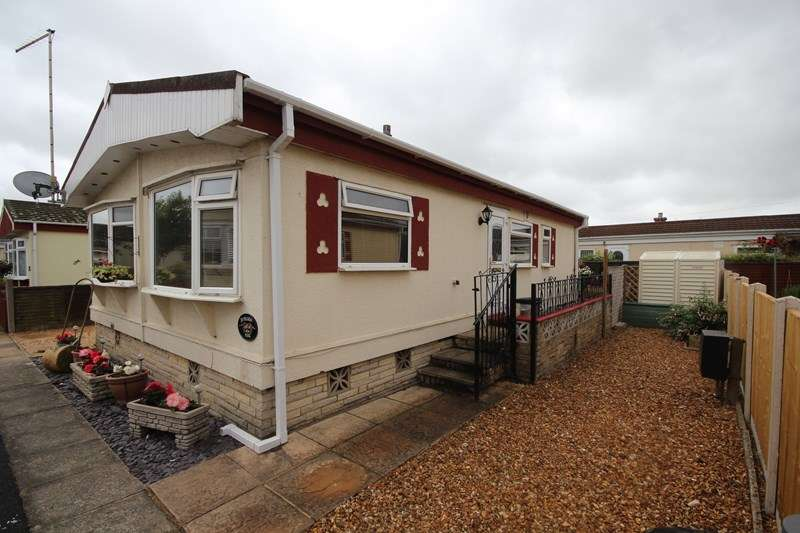 2 Bedrooms Mobile Home for sale in Pilgrim Park, Ringwood