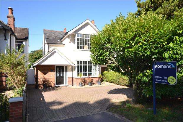 3 Bedrooms Detached House for sale in Park Road, Camberley, Surrey