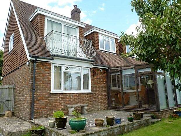 4 Bedrooms Detached House for sale in Mutton Hall Lane, Heathfield, East Sussex, TN21 8NS