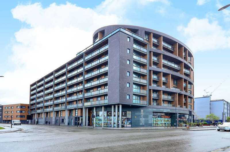 2 Bedrooms Flat for sale in Hallsville Road, Canning Town, E16