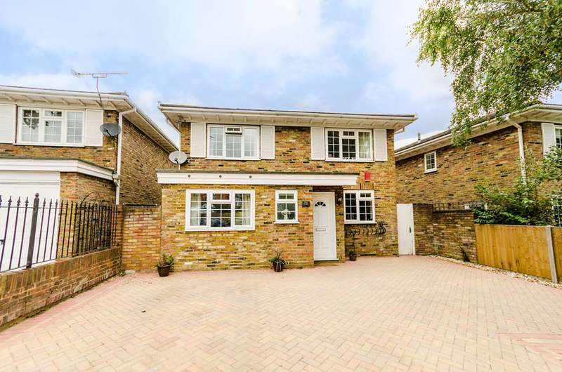 4 Bedrooms Detached House for sale in Ditton Road, Southborough, KT6