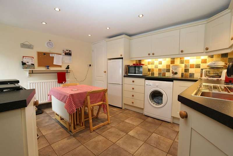 2 Bedrooms Cottage House for sale in The Butts, Alston, Cumbria, CA9 3JU