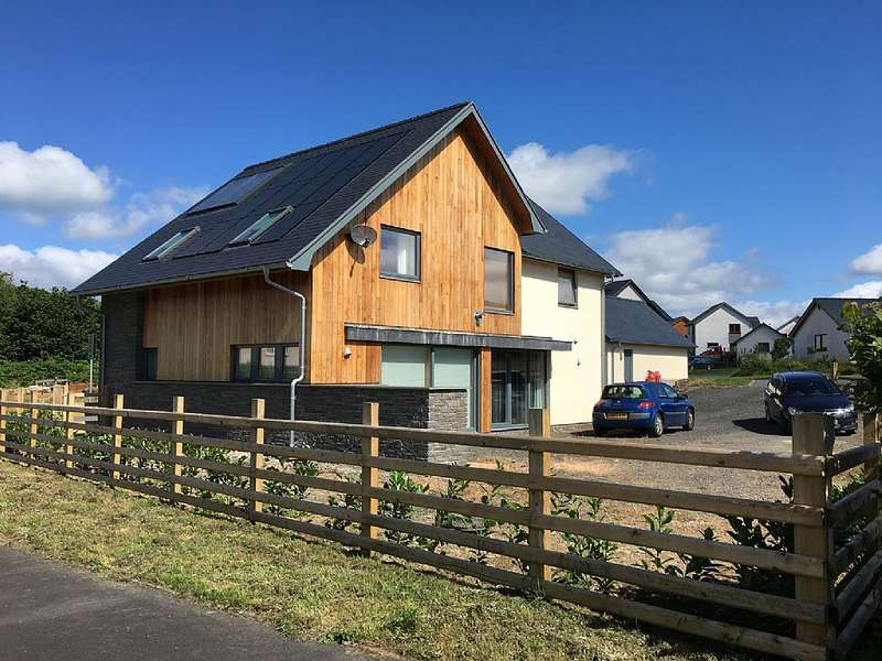 3 Bedrooms Detached House for sale in Pencaemawr, Penegoes, Machynlleth, Powys, SY20 8PF