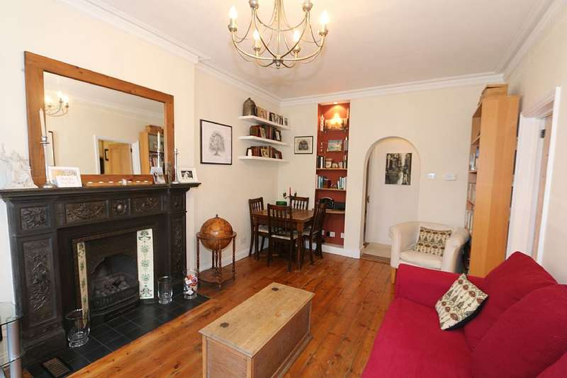 2 Bedrooms Flat for sale in Vereker Road, Barons Court, London, W14
